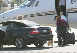 Jessica Amp Daisy Boarding A Private Jet