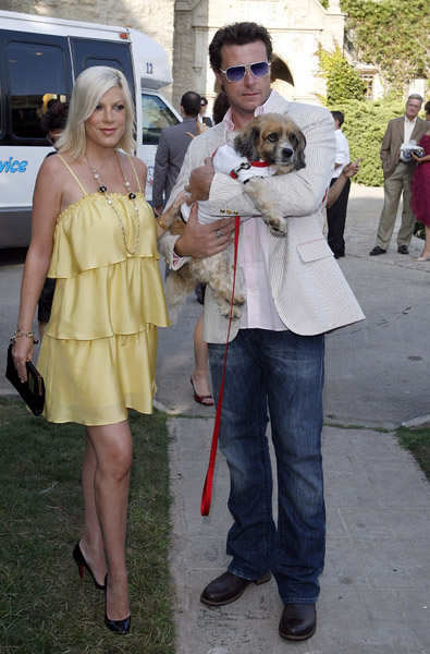 Tori Spelling and Dean